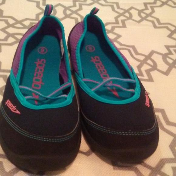 7fd0813792 Speedo Shoes - Womens Speedo water shoes size 9
